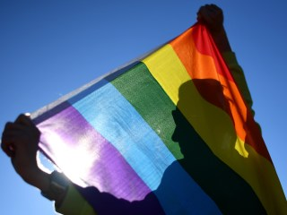Seven Arrested in Egypt After Raising Rainbow Flag at Concert