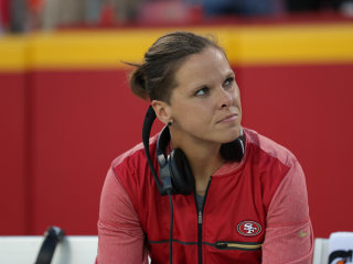 San Francisco 49ers' Katie Sowers Becomes NFL's First Openly Gay Coach