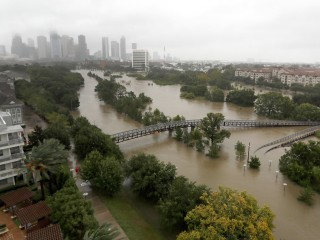 Harvey Prompts 5 Texas Prisons to Evacuate Nearly 6,000 Inmates