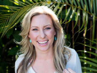 Officer who fatally shot Justine Damond is charged with murder