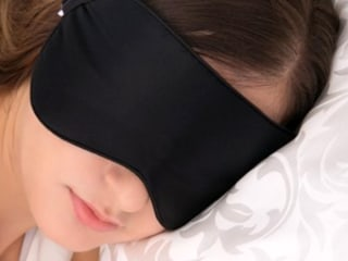 Will this $10 silk eye mask with 8,000 positive reviews help you sleep better?