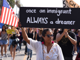 With Deadline Looming for DACA Immigrants, Donors Step In