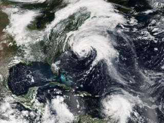 Hurricane Jose, Expected to Stay Offshore From East Coast, Still Churning in Atlantic