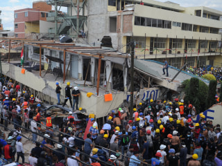 Mexico Earthquake Kills at Least 25 at School; 11 Survivors Freed