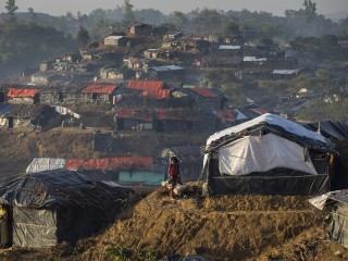 Desperate Rohingya Refugees Face Squalor at Crowded Bangladeshi Camp