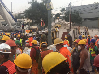 Mexico Earthquake Survivors Rescued After 2 Days in Rubble