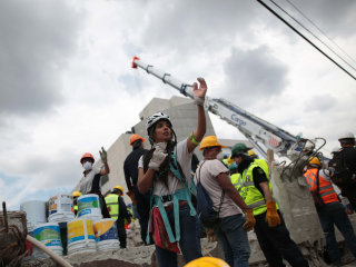 Death Toll in Mexico Quake Rises to 295, Search for Survivors Continues