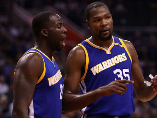 Kevin Durant Gets No Love From Teammates After Twitter Fiasco