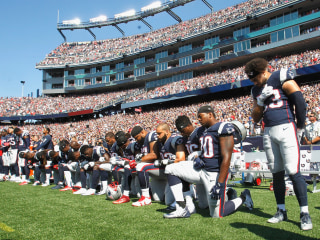 Trump Cheers the NFL Fans Who Booed Players Taking a Knee During National Anthem