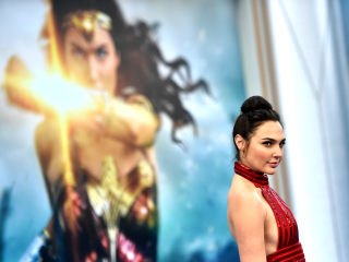 Fans Petition to 'Make Wonder Woman Bisexual' in Movie Sequel