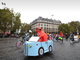 Paris Bans Cars From Its Streets for a Day