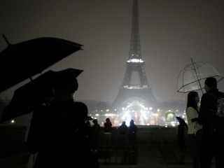 Eiffel Tower Goes Dark for Victims of Las Vegas and Marseille