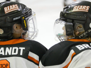 Ice Hockey-Playing Sisters Prepare for 2018 Olympics — But Not on the Same Team