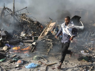 Somalis Search for Survivors After Mogadishu Truck Bomb Blast