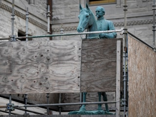 Lexington Removes Confederate Statues After Attorney General OKs Jurisdiction