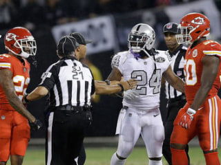 Raiders' Lynch Ejected After Running On Field, Grabbing Official