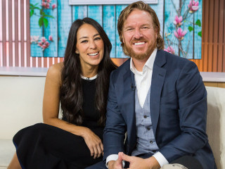 Chip Gaines surprises Joanna with new kitten under the Christmas tree
