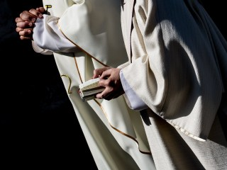 Advice to Wisconsin Priests on LGBTQ Funerals Is Criticized