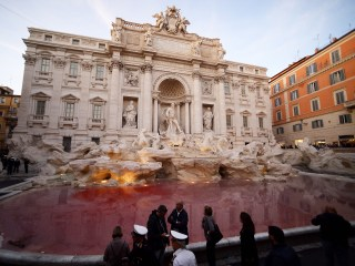Activist-Vandal Dyes Rome's Trevi Fountain Red (Again!)
