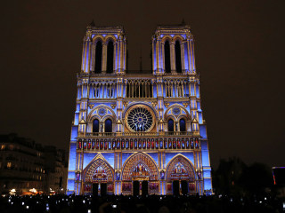 Breathtaking Light Show at Notre-Dame Cathedral Commemorates WWI