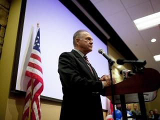 GOP Senate Candidate Roy Moore Threatens to Sue Washington Post