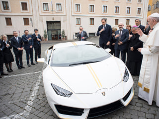 Big Papa: Pope gets white-and-yellow Lamborghini