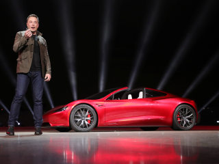 New Tesla Roadster upstages rollout of electric big-rig truck