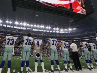 Hundreds of protesters take knee outside of Cowboys' stadium