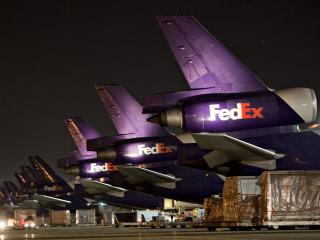 FedEx worker dies unloading plane at Memphis International Airport