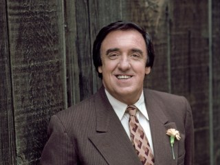 Jim Nabors, who starred as Gomer Pyle on 'The Andy Griffith Show,' dies at 87