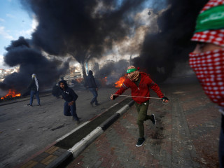 Middle East on edge after Trump's 'dangerous' Jerusalem move