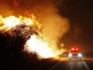 Wildfire tears through San Diego County