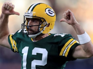 Packers QB Rodgers announces he's been medically cleared to play