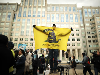 Net neutrality supporters vow lawsuits in resistance to FCC vote