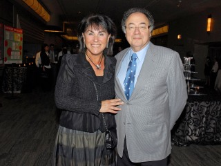Death of Toronto billionaire Barry Sherman and his wife investigated by homicide detectives