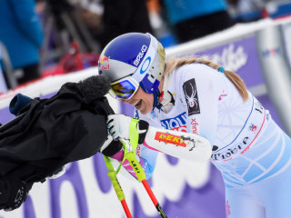 WATCH: Lindsey Vonn wins first World Cup race in nearly a year