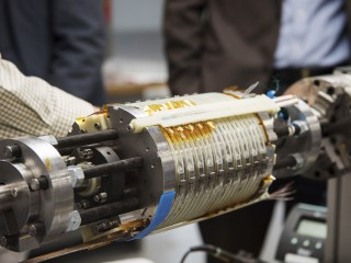 High-tech magnet smashes record and opens new frontiers in tech