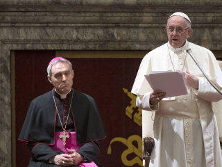 Pope denounces 'cancer' of Vatican cliques in Christmas address