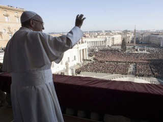 Pope calls for peace in Mideast during traditional Christmas address