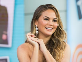 Chrissy Teigen offers $100K to support gymnast McKayla Maroney