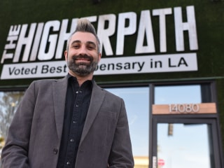 Los Angeles marijuana dispensaries begin first legal recreational sales