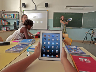 France grapples with whether to ban cellphones in schools