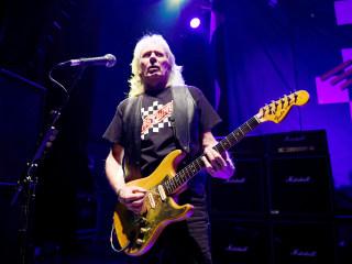 'Fast Eddie' Clarke, former Motörhead guitarist, dies at 67