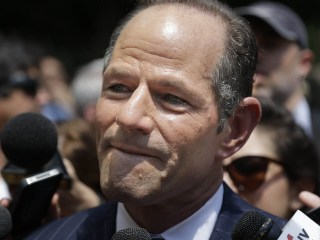 Ex-N.Y. Gov. Eliot Spitzer threatened to stab man during altercation, man claims