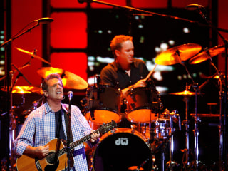 Widow of Eagles co-founder Glenn Frey files wrongful death suit against hospital