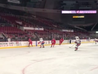 Weather forces hockey team to play game in empty arena (Video)