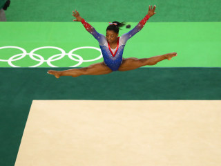 Wesley Snipes to Simone Biles: Here is your winter reading guide