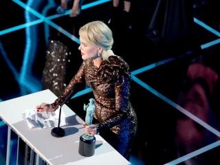 'Three Billboards' is biggest winner at female-flavored SAG Awards