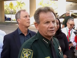 Parkland school shooting: Authorities investigate deputies who stayed outside