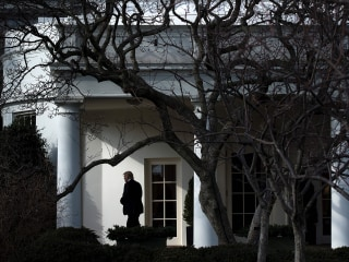 Scores of top White House officials lack permanent security clearances